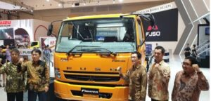 Fuso Fighter Launhing